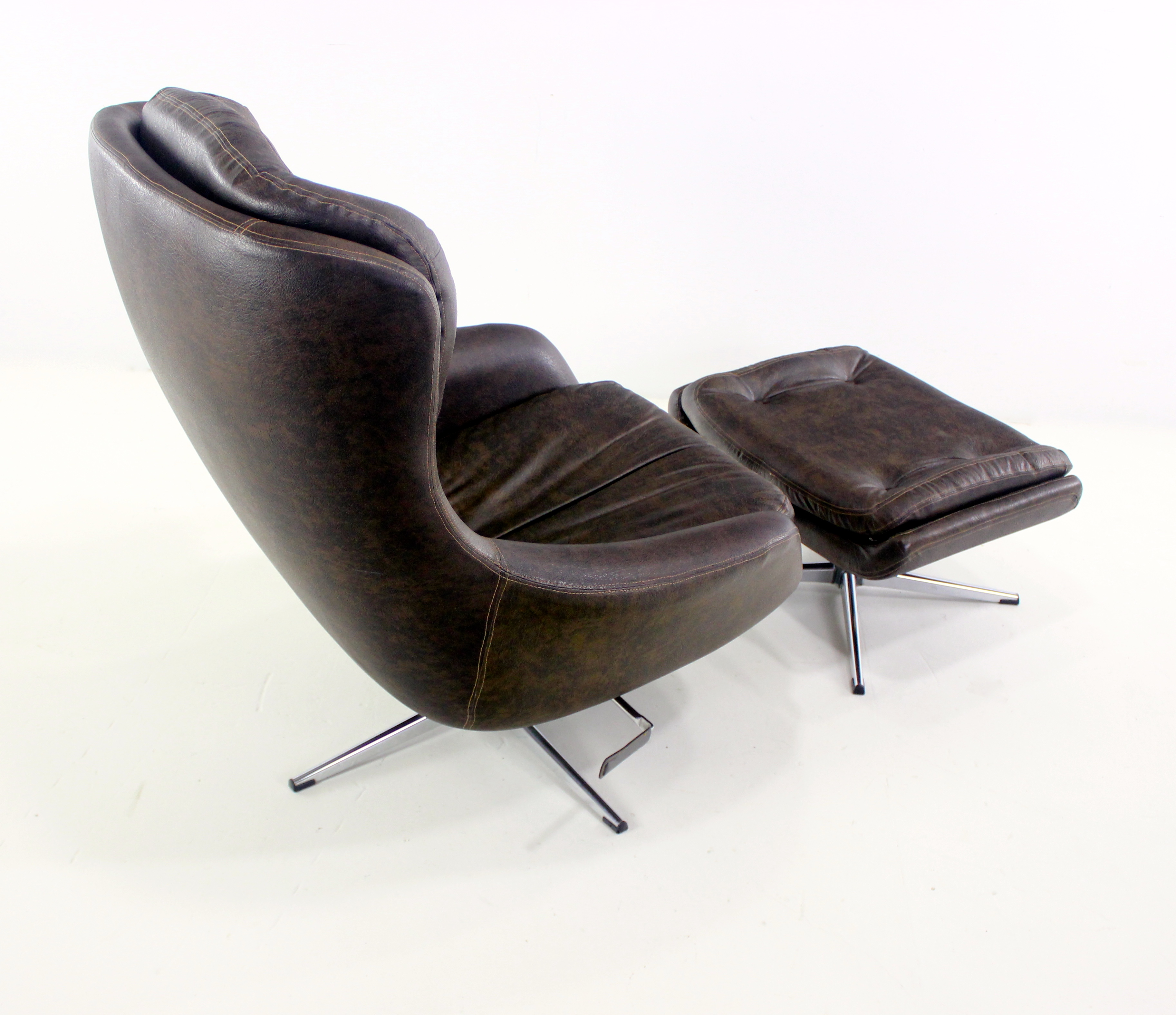 Merveilleux Scandinavian Modern Lounge Chair U0026 Ottoman